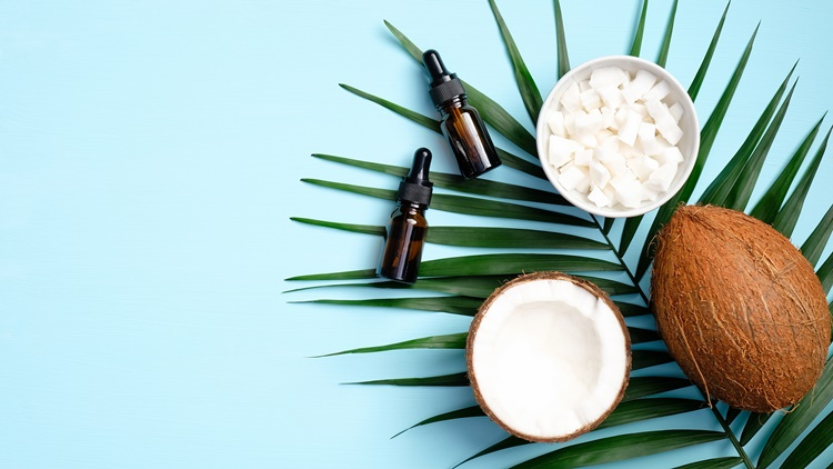 肌荒れを防ぐココナッツオイルとトコフェロール